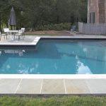 clean a green swimming pool