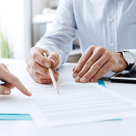 What are the factors in choosing the right factoring company?