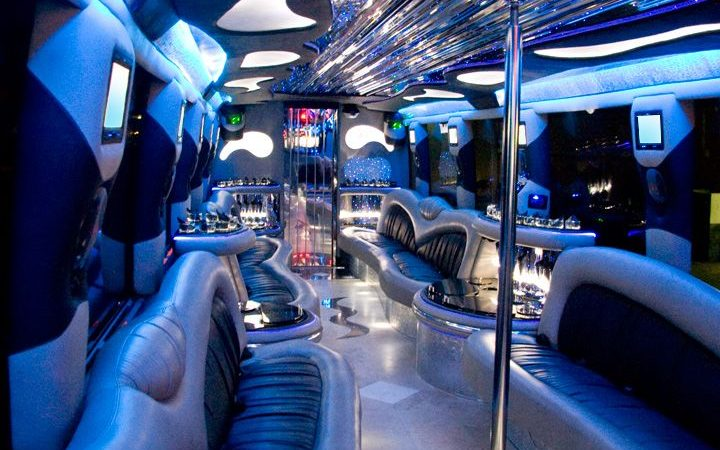 Questions You Should Ask Before You Book a Limousine